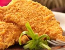 Куряче філе. Рецепти: в духовці, в клярі, з ананасами, з грибами, з сиром, салат з курячого філе.